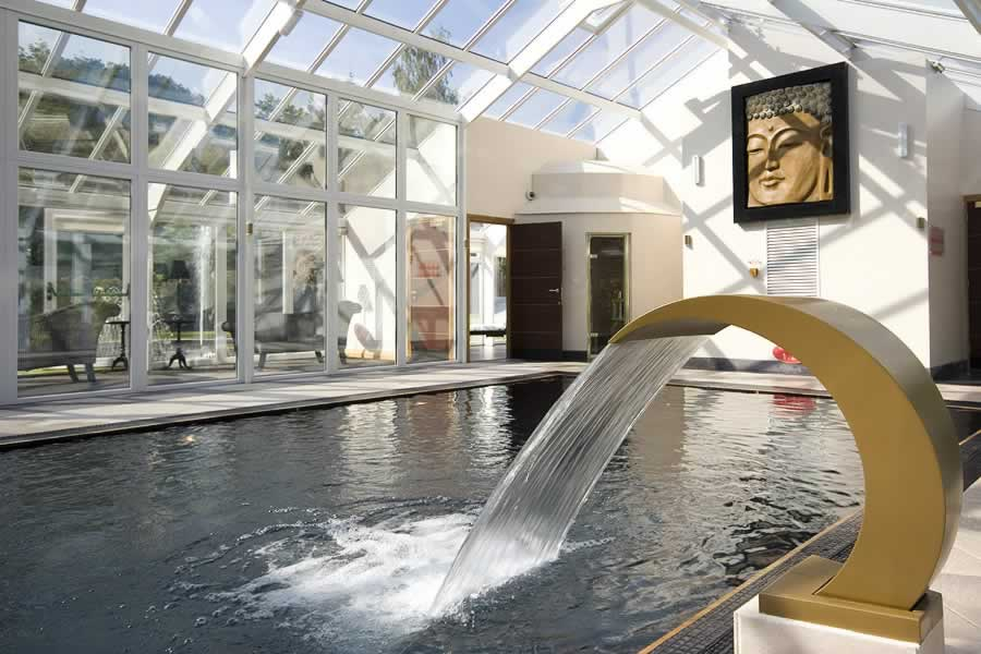 Aphrodites lodge for Windermere hotels with swimming pools